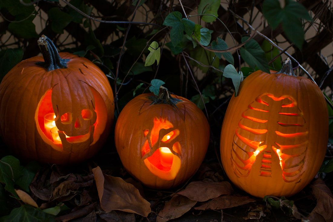 easy cool and scary diy pumpkin carving ideas for halloween
