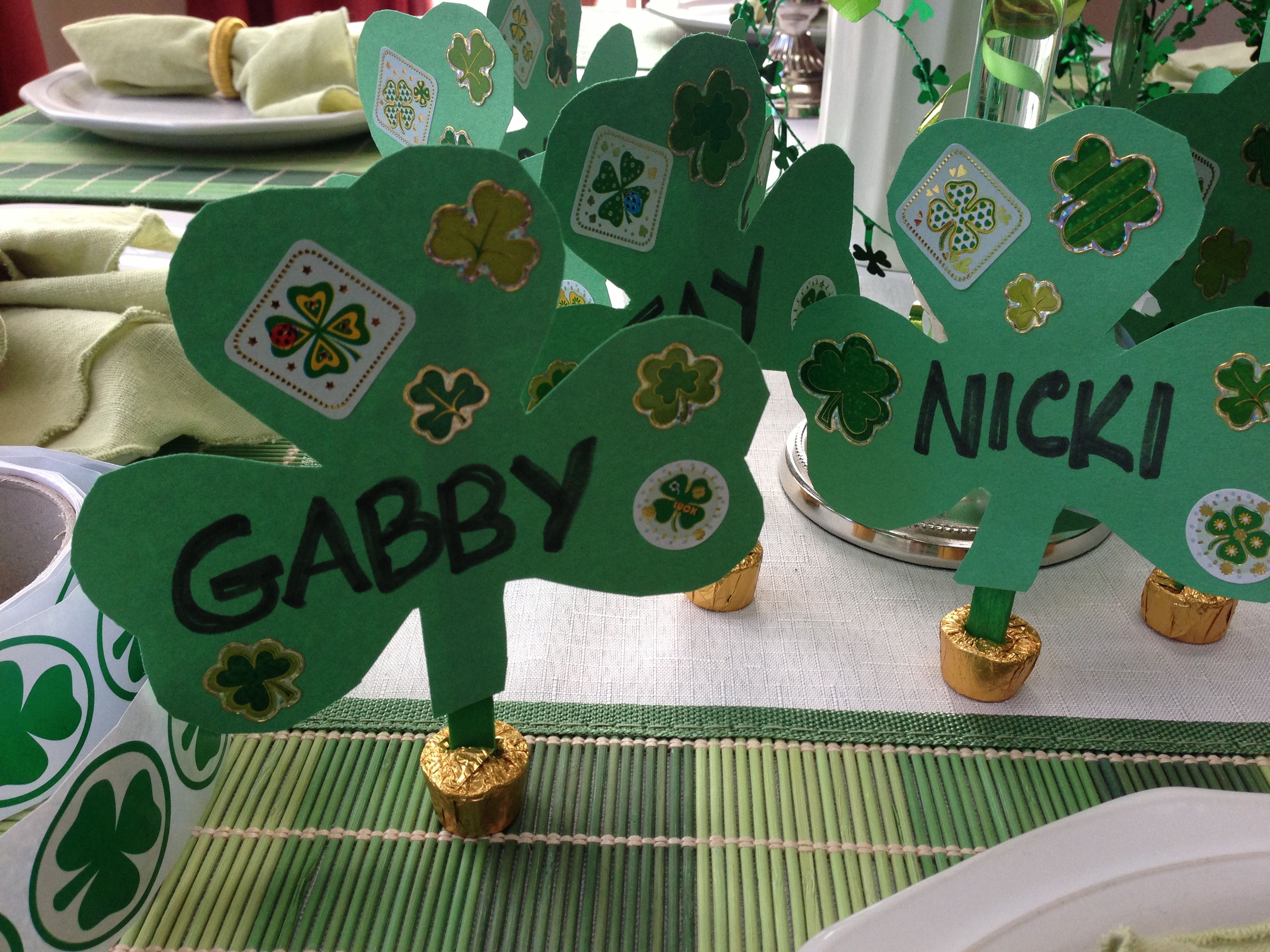 Easy St Pats Place Cards Rolo Base Green Popsicle Sticks