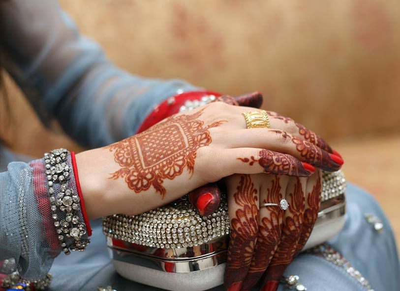 Mehndi Hands Dps : Bride hands fashion photography hennas