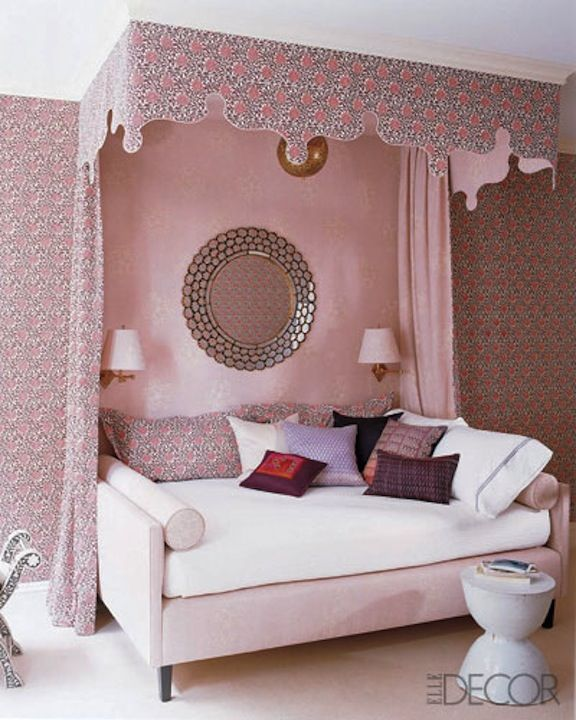 Daybed, pink with mirror