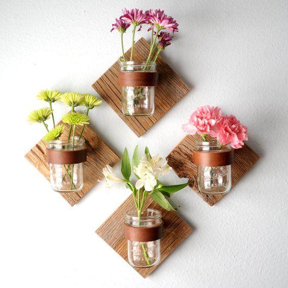 Photo of Bougeoir rustique mason jar de diamant issu altérée et récupéré les piquets de clôture en bois, cuir et mason jar pour vos fleurs fraîches de l'été