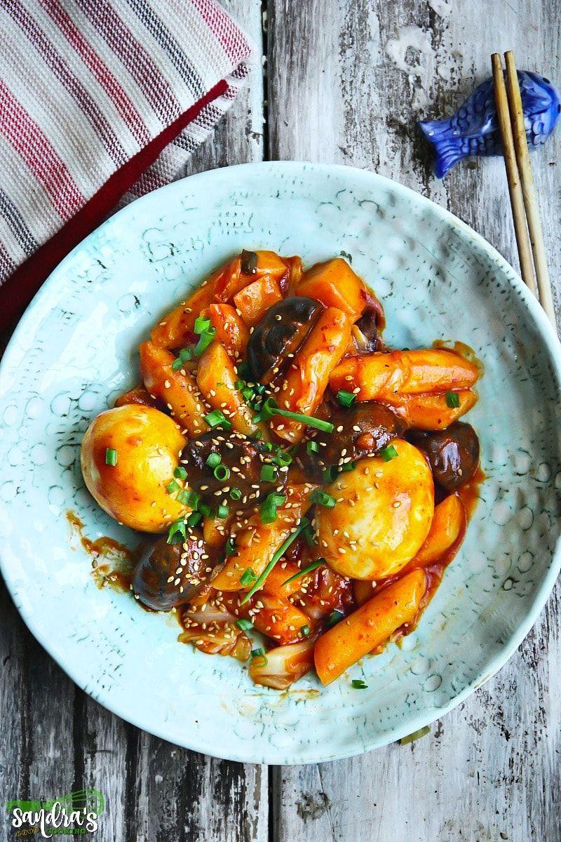 Korean spicy rice cakes tteokbokki 떡볶이 recipe rice