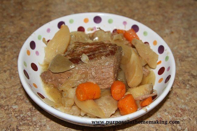 Purposeful Homemaking: Garlic and Butter Pot Roast