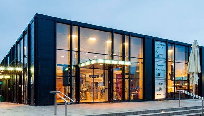 Grandi vetrate e facciate continue perfette per negozi for Aziende design milano