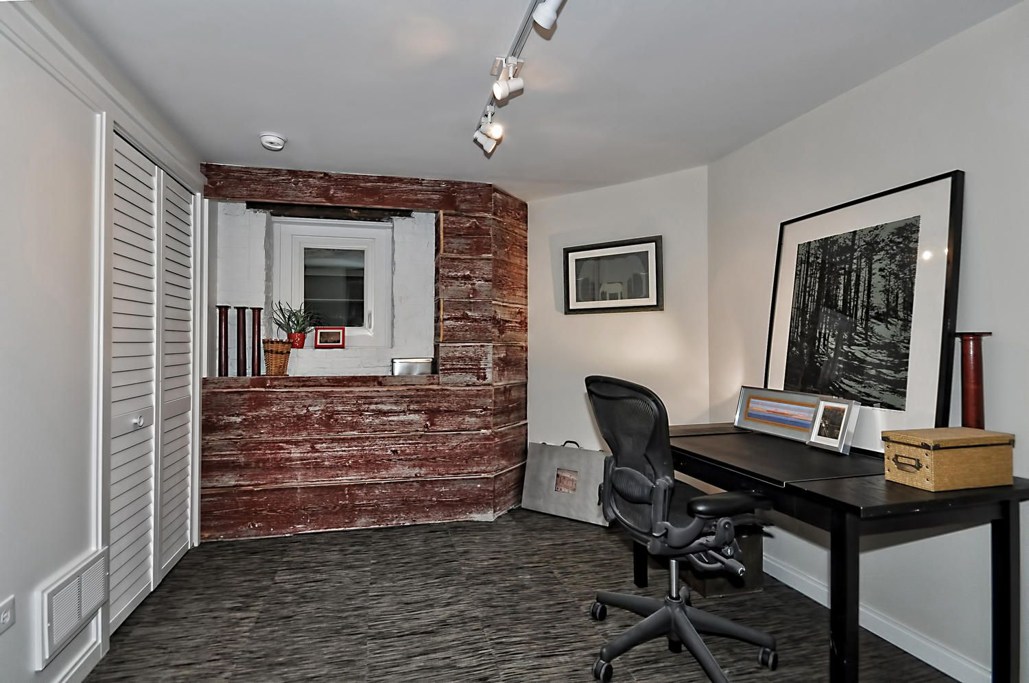Bedroom #4: Barnwood Walls, Exposed Brick, Chilewich Flooring, , Painted White Brick Walls. 4502 N Magnolia Unit 1N Sheridan Park - Uptown - Chicago, Illinois - Christian Schaller Johnson Roberts Associates Architects Inc. 2015 For sale @ $485,000