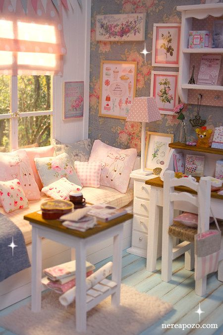 Turquoise Barbie House: Miniature Shabby Chic Bedrooms
