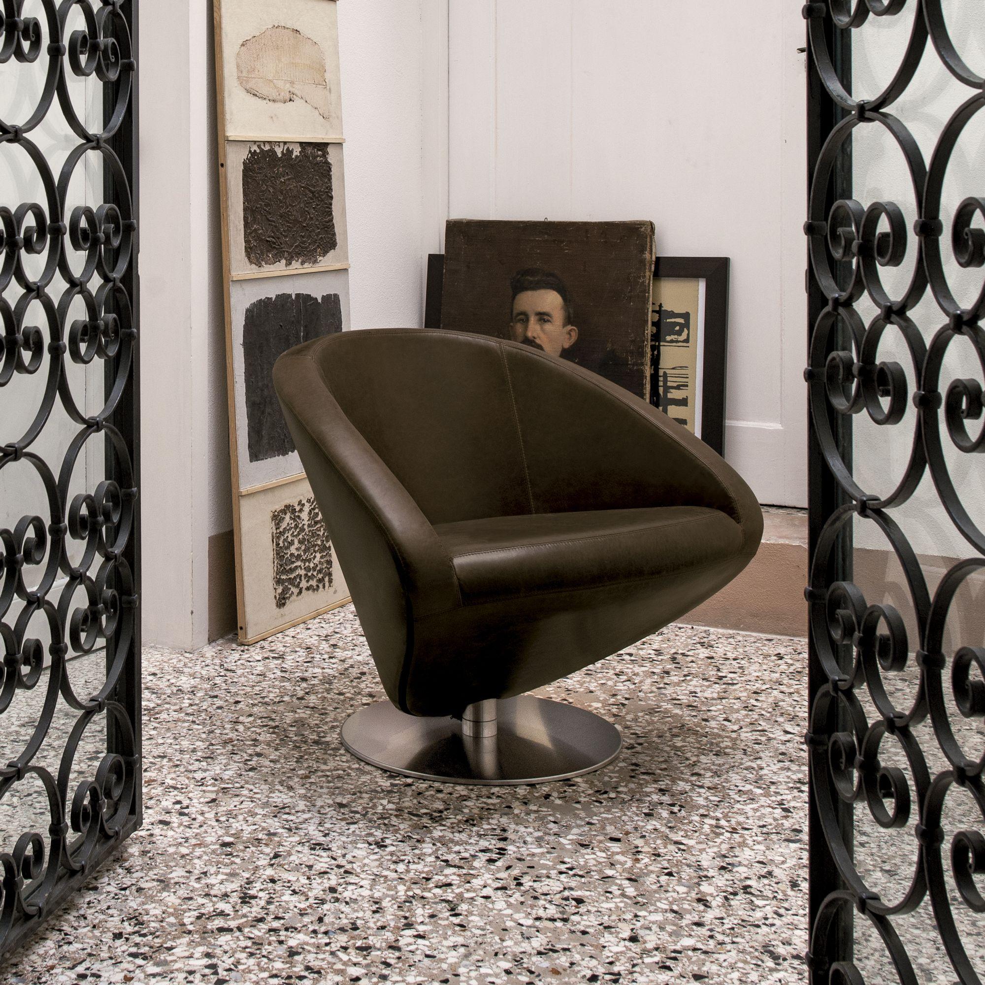 Italian Designer Upholstered Love Lounge Chair   High End Italian Designer  U0026 Luxury Furniture At