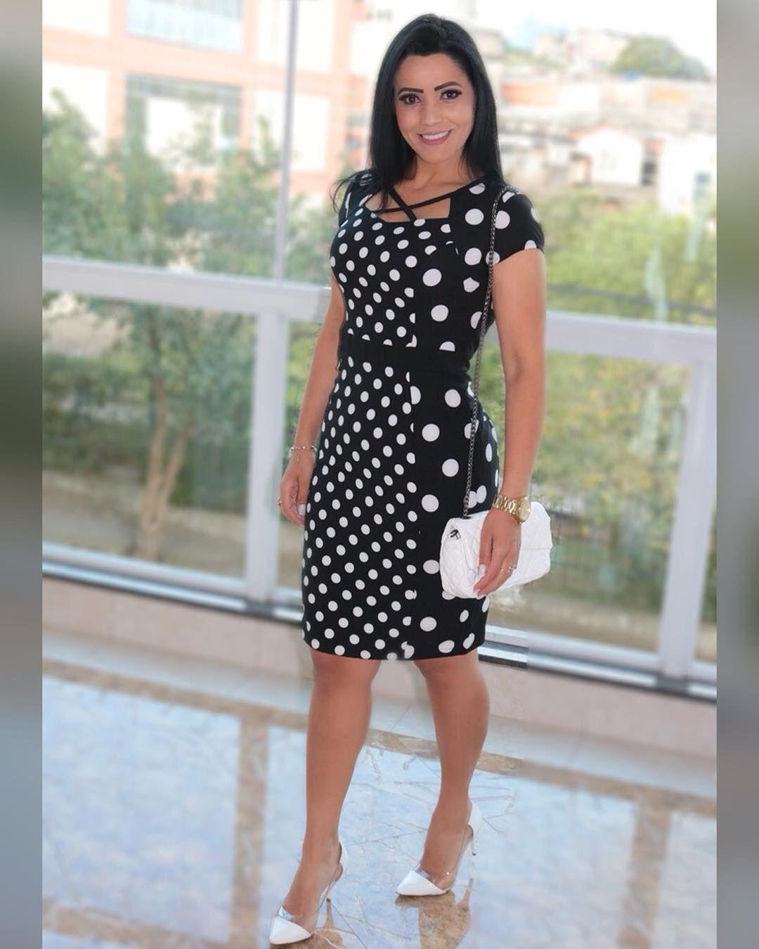 Muito estilo e elegância 👏🏻 Esse vestido poderoso tecido alfaiataria Poa  Disponível M G e GG 726670d388