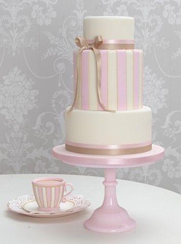 Chic and Sweet Wedding Cake