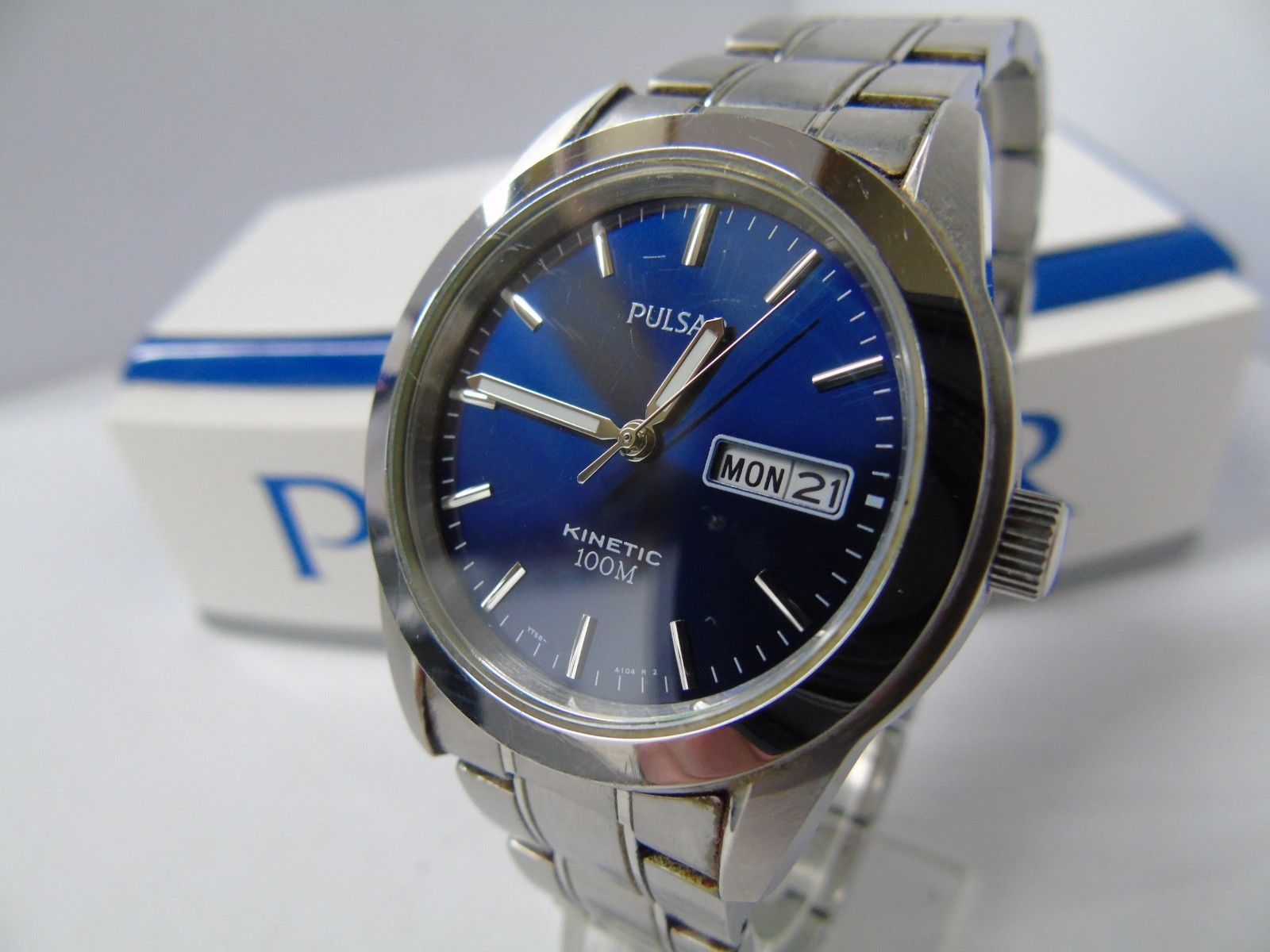 94baaf2c36b PULSAR by SEIKO YT58-X008 KINETIC DAY DATE MENS WATCH AUTOMATIC  USED GOOD