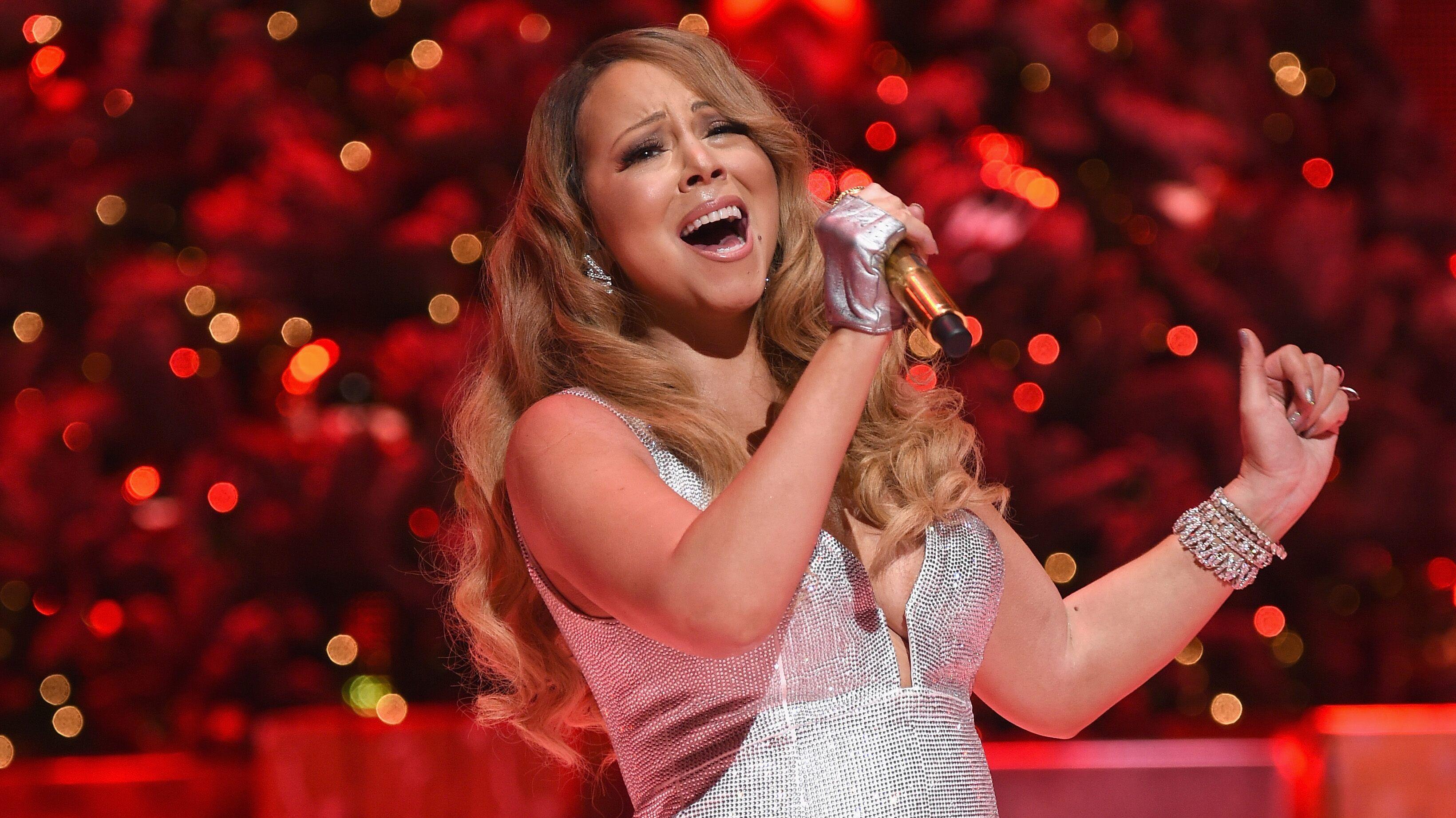 Mariah Carey sets 'Magical Christmas Special' at Apple TV+