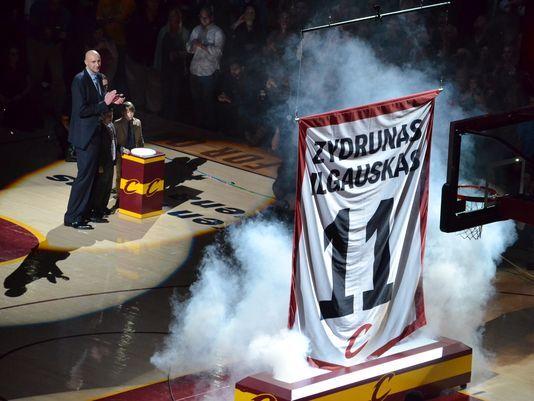 「ilgauskas jersey retirement」的圖片搜尋結果
