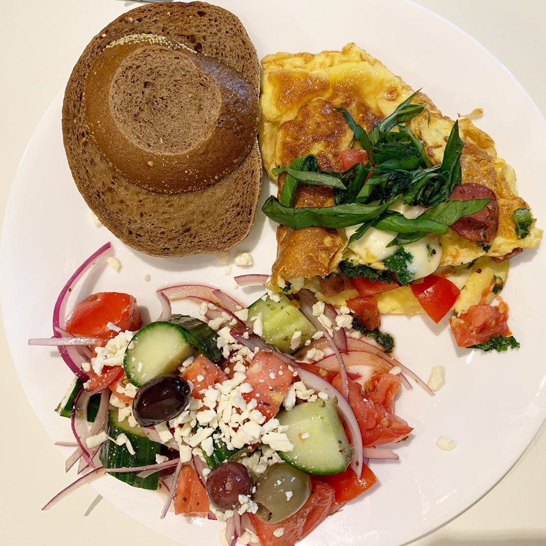 Sunday morning brunch. . . . #homemade #brunch #sunday #shenanigans #food #yummy #nomnom #foodie #delicious #healthy #greeksalad #omelette #veggies #pumpernickeltoast&nbs