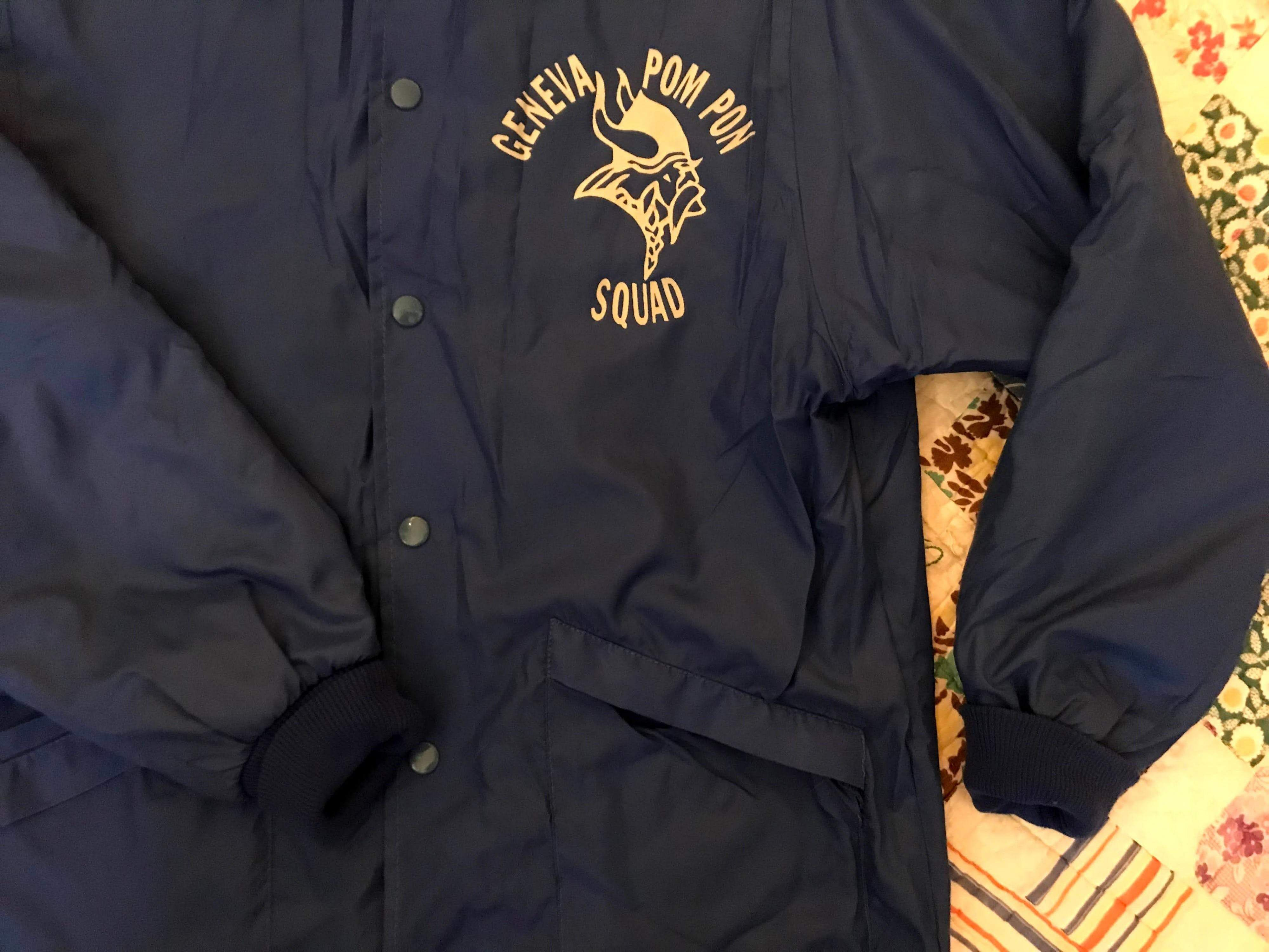 Great little windbreaker fully lined with fleece on the inside and a nice little collar. I love these old jackets and bowling shirts by Hilton, a must in any vintage collector's closet. A bit boxy and oversized. Super cool viking graphic on the front. Made in USA. Condition:Great vintage condition, but pocket may need reinforcement in the future. See photosMaterial❉ 100% nylon shell❉ 85% acetate❉ 5% nylon flannel lining🌵 Size:❉Modern unisex medium/large❉ 19.5 inches pit to pit laid flat (39 inc