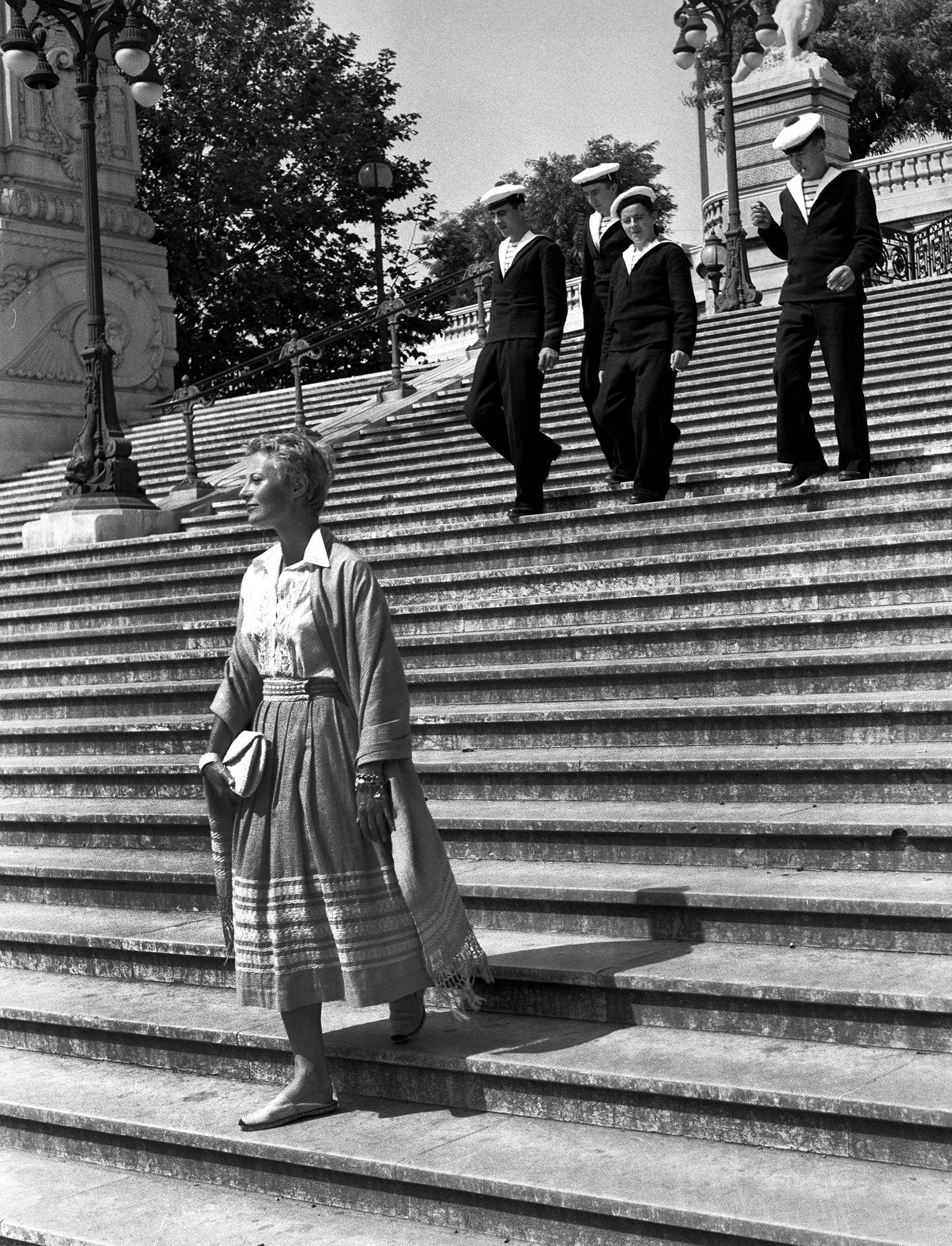1955. L'actrice Française Michele à la découverte