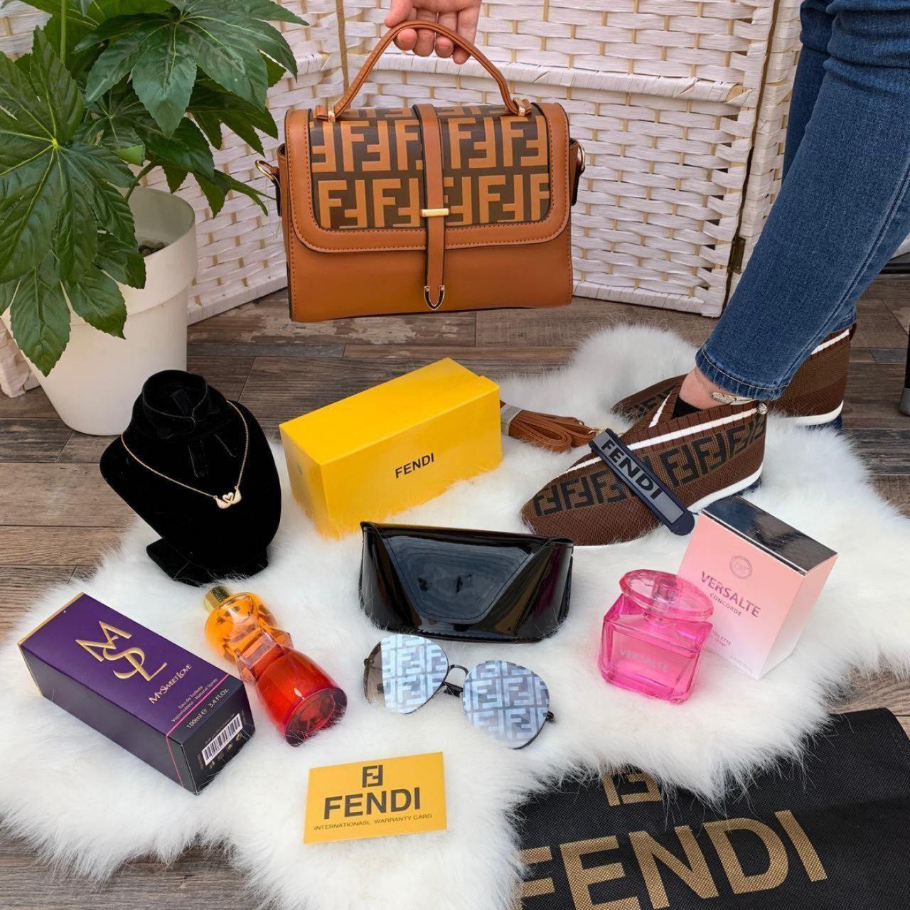 شنط فندي نسائيه Fendi مع نظاره و شوز فندي وسلسال سوارو فسكي بعلبتها Fendi Sunglasses Case Feni