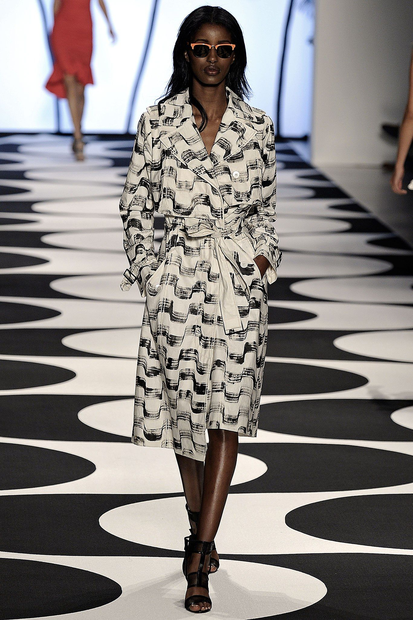 Nicole Miller Spring 2015 Ready-to-Wear Collection Photos - Vogue