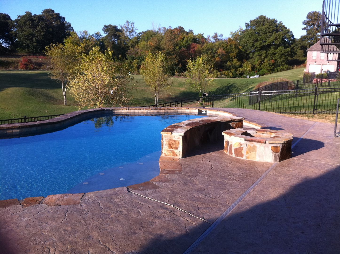 Pin By Swimming Pool Quotes On Tropical Poolscapes In Ar Swimming Pool Construction Custom Swimming Pool Pool Construction