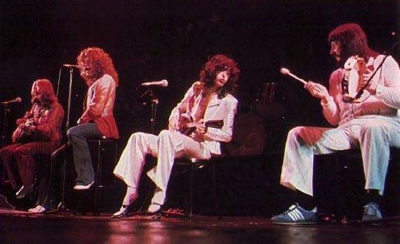 Led Zeppelin 77 *