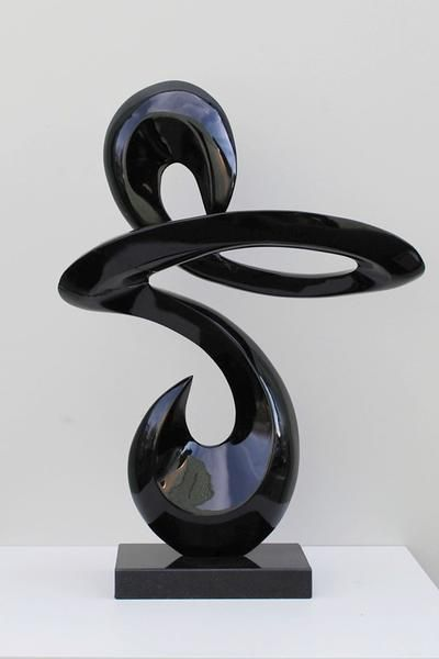 sculpture moderne noire sculptures modernes pinterest awesome art and artwork. Black Bedroom Furniture Sets. Home Design Ideas