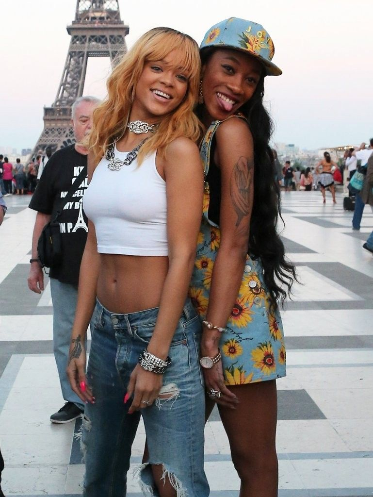 Rihanna hot photo stills in front of the Eiffel Tower in Paris (June 7, 2013)