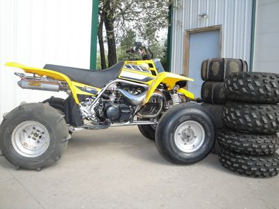 yamaha banshee for sale. 2006 limited edition yamaha banshee with fmf fattys and original sticker kit. cant get much for sale a