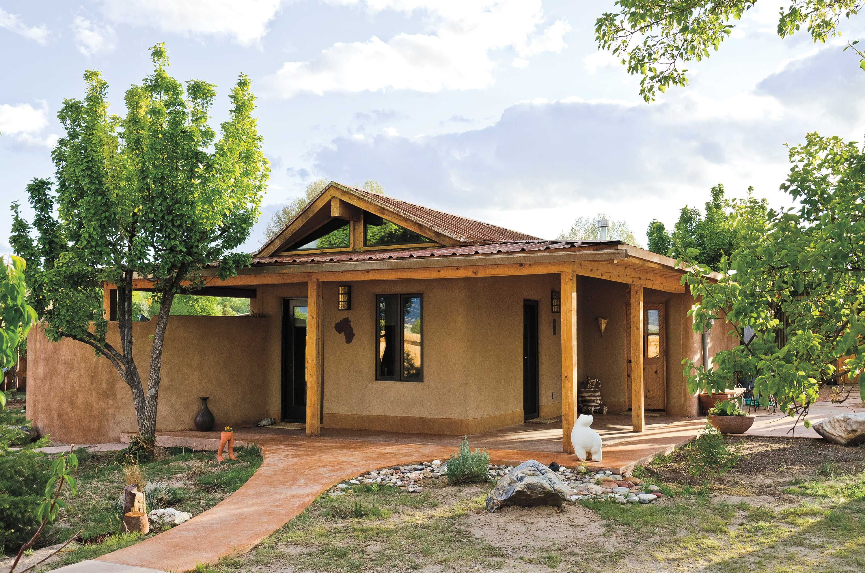 Building earthen homes using the original diy material for Small new build homes