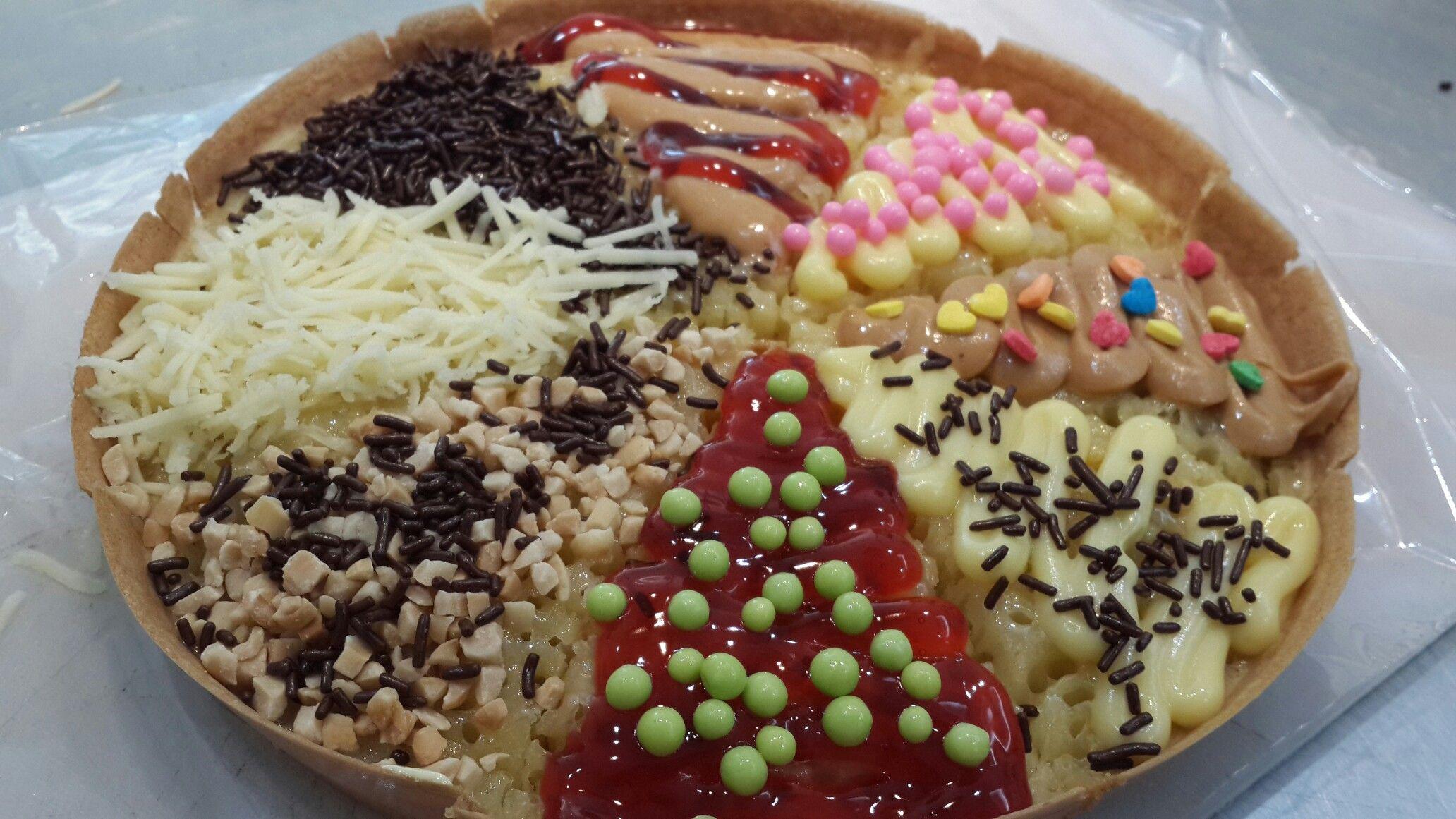 Terang Bulan Pizza / Martabak Manis Pizza   Home made by me ...
