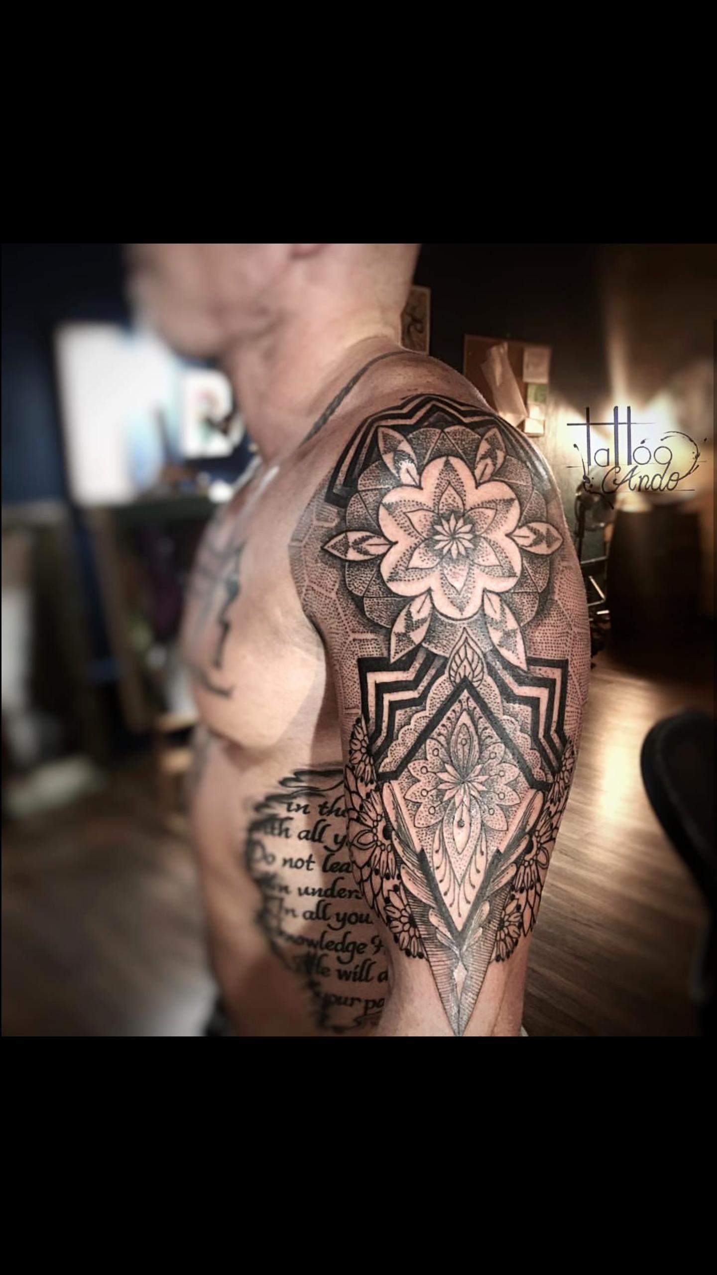 Geometry Tattoo Blackwork Tattoo Blackwork Tattoo Best Tattoo Shops Geometry Tattoo