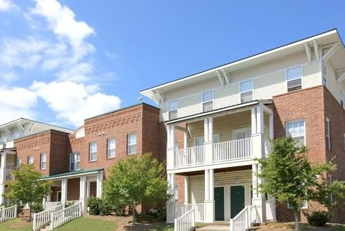 Main Street Townhomes Affordable Apartments In Durham Nc Found At Affordablesearch Com Affordable Apartments Apartment Townhouse