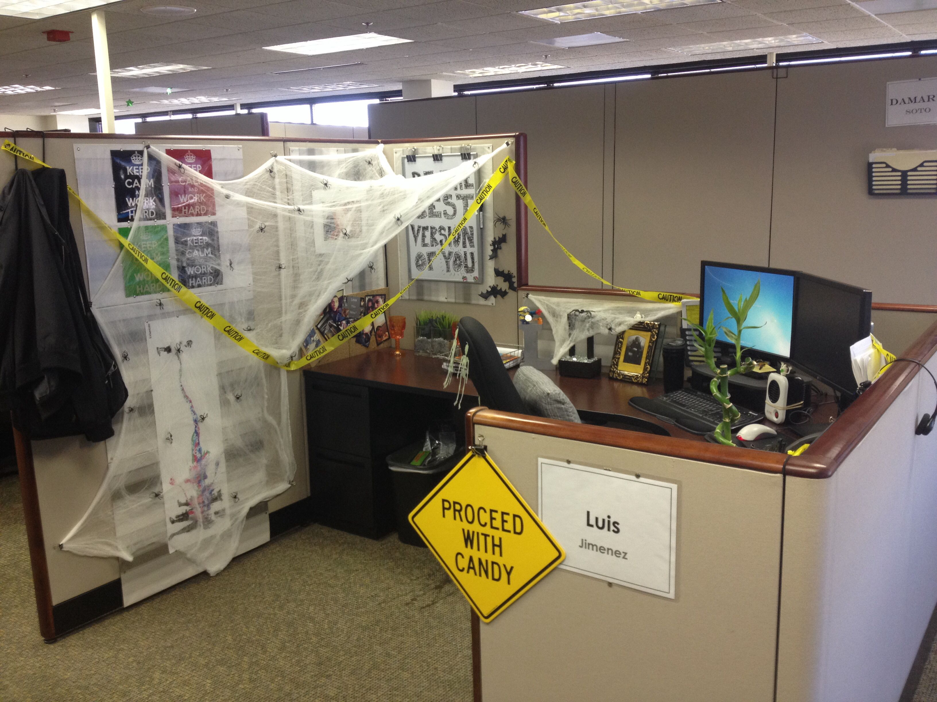 Halloween cubicle office decorations Random Pinterest - Pinterest Halloween Decorations