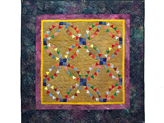 Indian Wedding Ring Quilt -- great specially made Amish Quilts from Lancaster (wh4762)