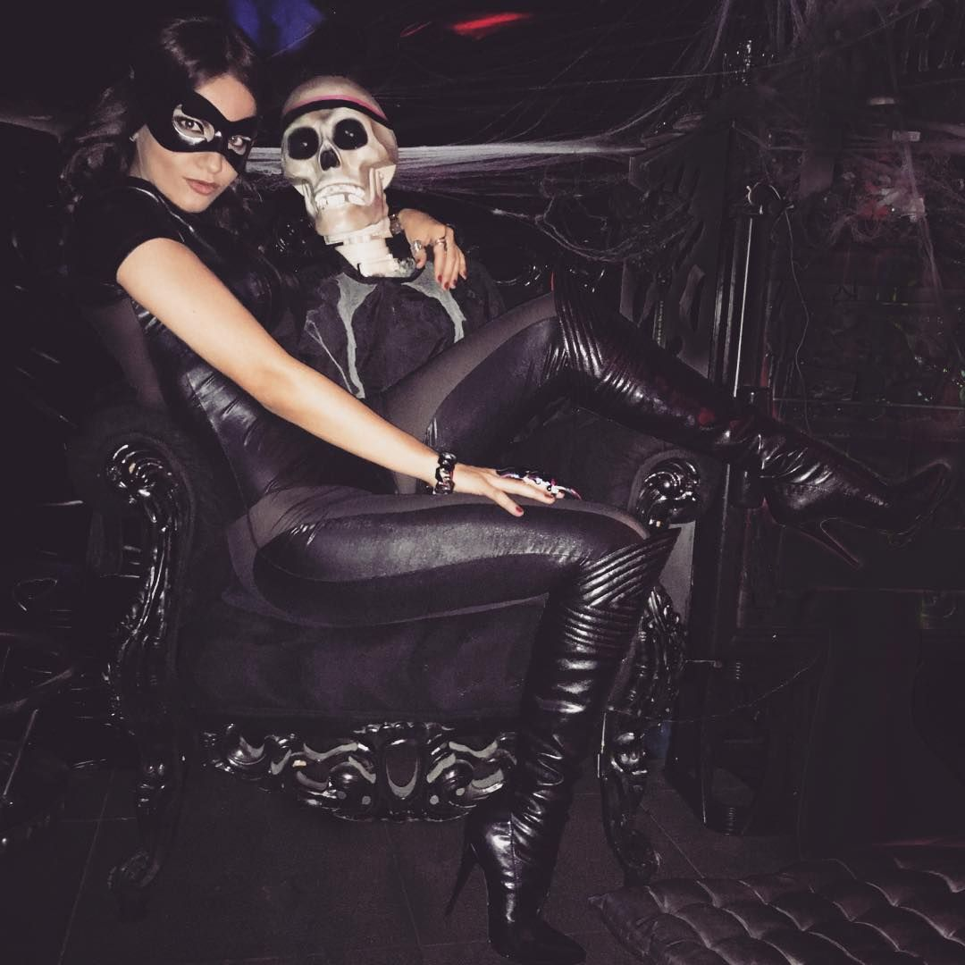 "Hamburg Halloween Party 2020 Kati on Instagram: ""#halloween #catwoman #catwomansuit"