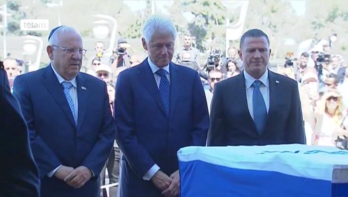 Israel se prepara para recibir a los más de 80 líderes mundiales que asistirán al funeral de Peres - http://diariojudio.com/noticias/israel-se-prepara-para-recibir-a-los-mas-de-80-lideres-mundiales-que-asistiran-al-funeral-de-peres/211848/
