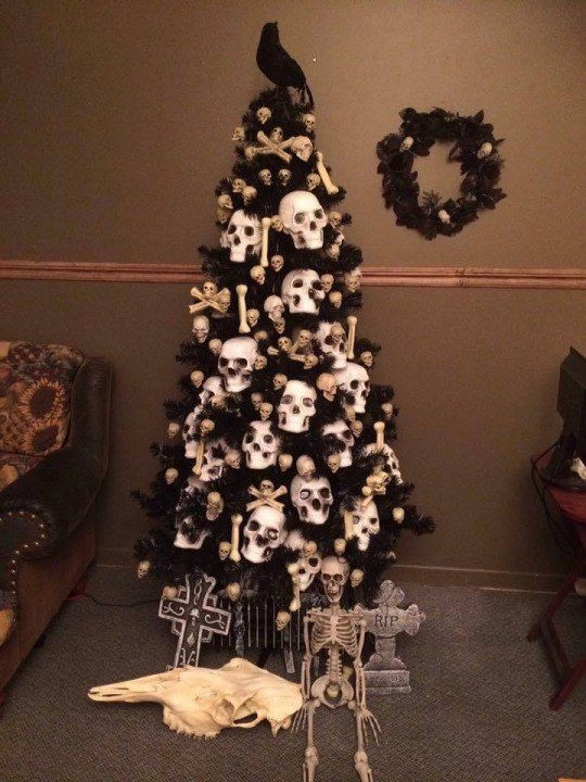 HALLOWEEN CHRISTMAS ORNAMENT SKULL AND CAT GOTH