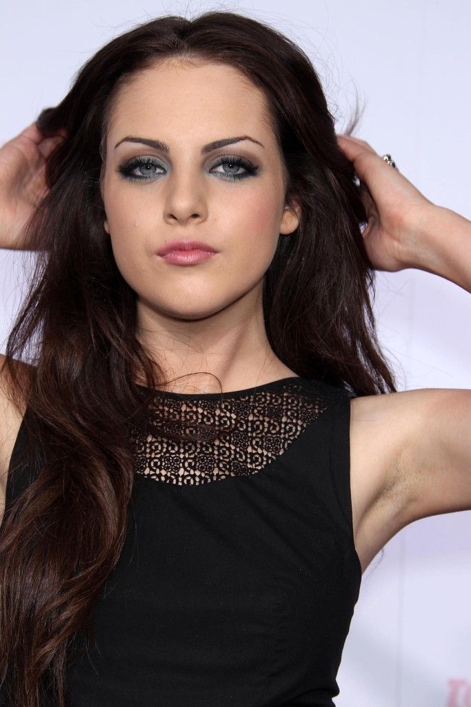 Elizabeth Gillies - Teen Vogue's Young Hollywood Party