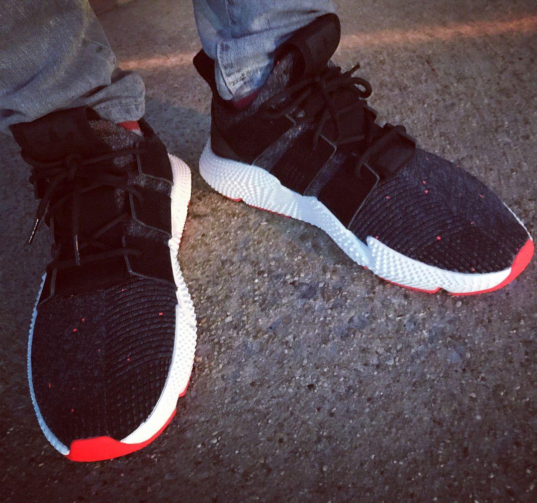 Adidas tiene que llevar un par de wdywt