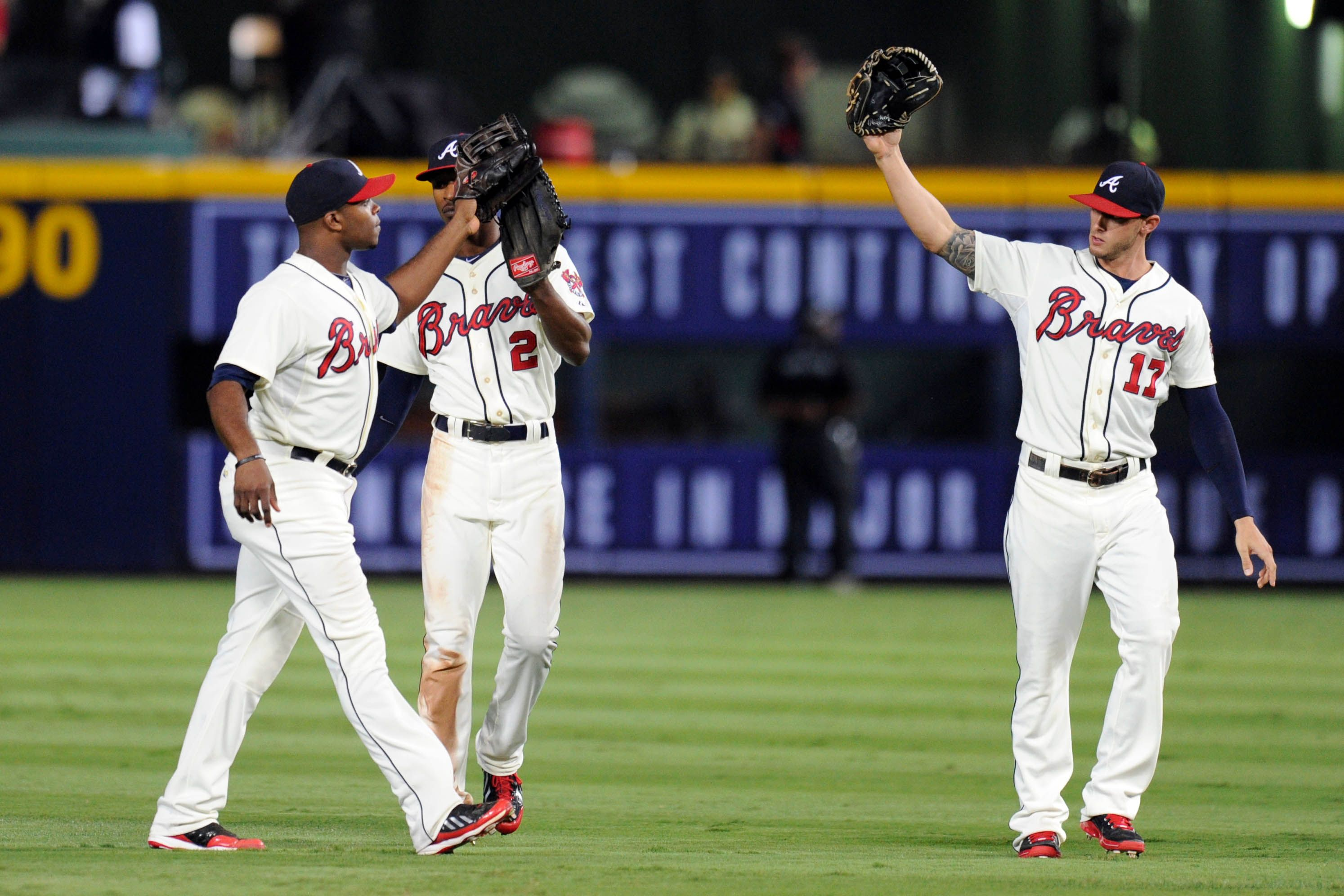 Crowdcam Hot Shot Atlanta Braves Outfielders Justin Upton B J Upton And Jordan Schafer React After Defeating The San D Atlanta Braves Braves San Diego Padres