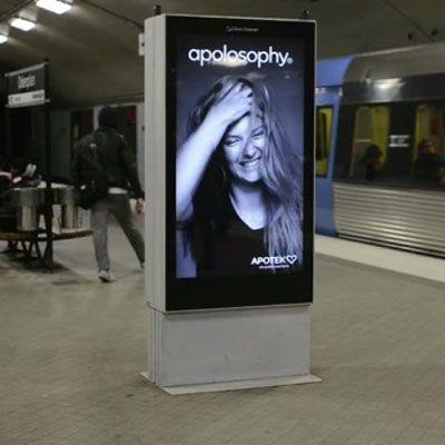 Com a tecnologia de sensores ultra-sônicos campanha publicitária diverte transeuntes no metrô de Estocolmo. Veja!