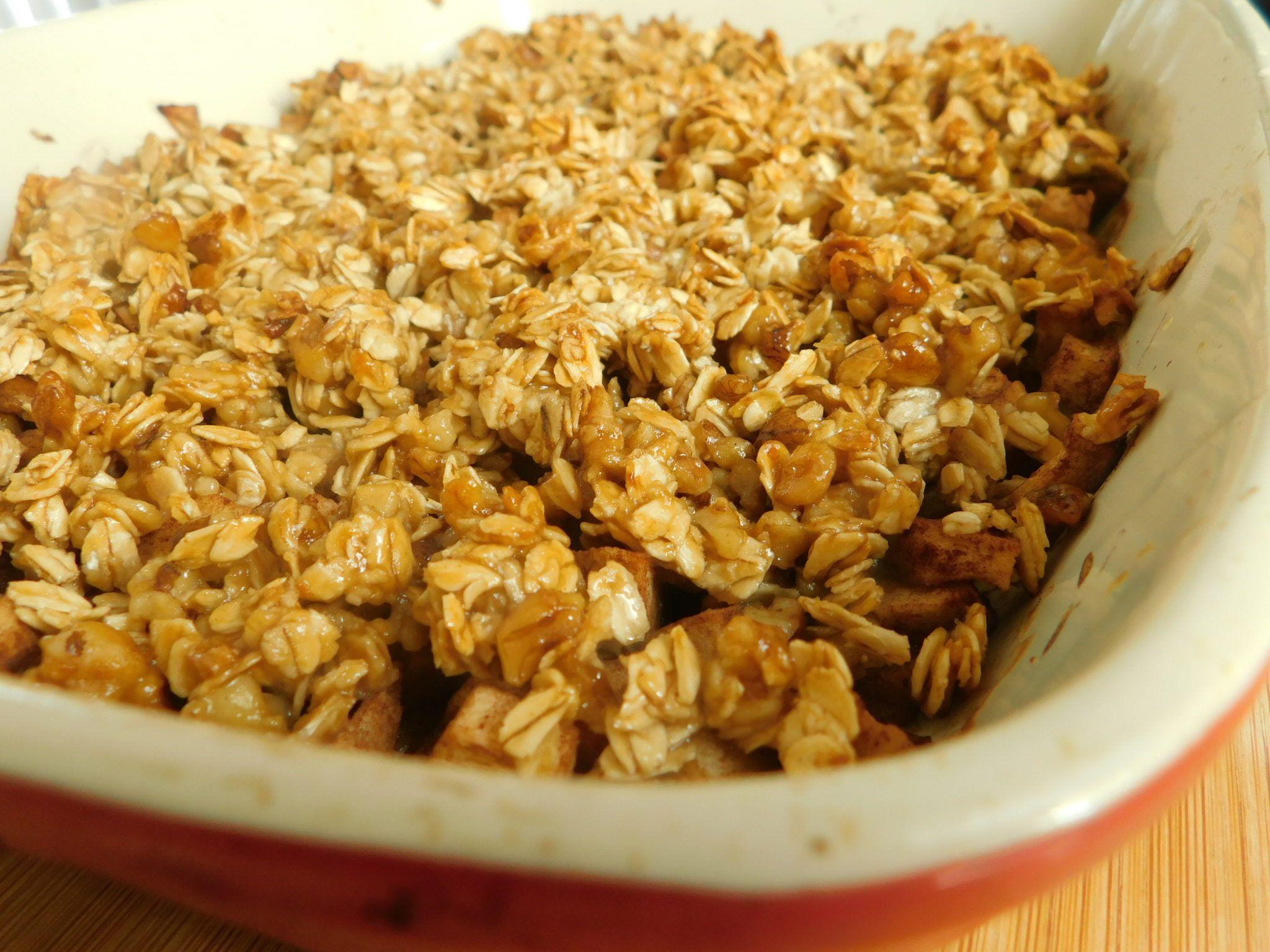 Caramel apple crisp Recipe Caramel apples, Apple crisp