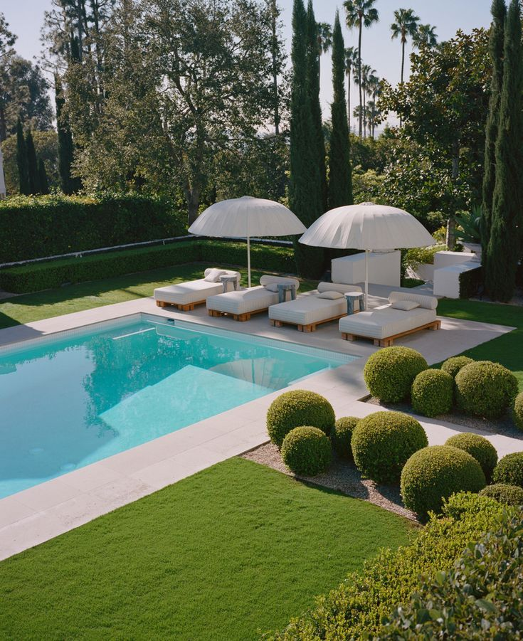 Gallery of Modern and Vintage Meet Within this Hollywood Residence - 7