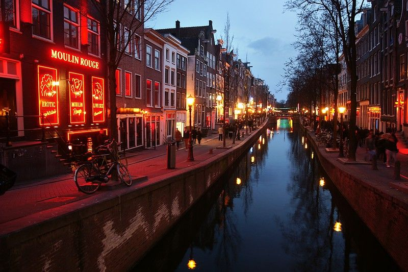 Amsterdam 3 Day Itinerary Best Things To Do And What Not To Do In 2020 Amsterdam Vacation Amsterdam Travel Amsterdam Red Light District