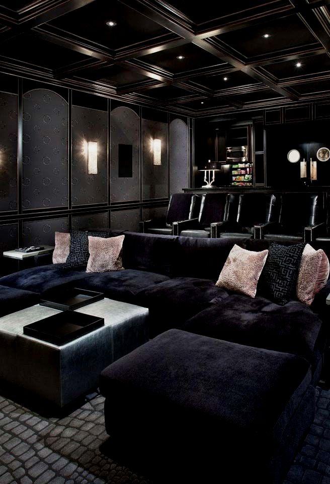 Um Cinema Em Casa E Uma Das Coisas Que A Maior Parte Dos Amantes Da Setima Arte Provavelmente Mais Home Cinema Room Home Theater Room Design Home Theater Decor