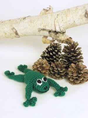 Crochet frog toy