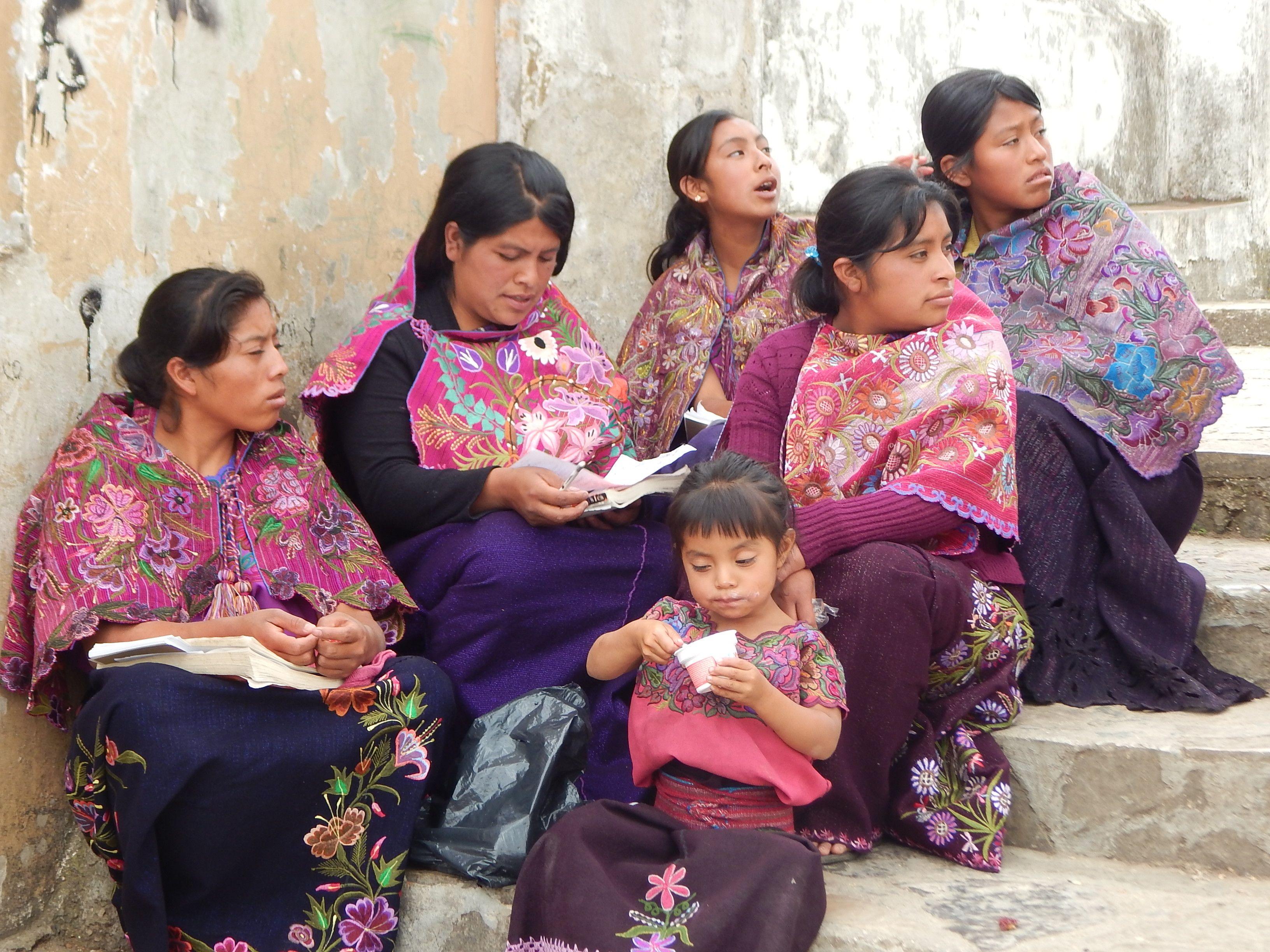Mayan ladies, Zinacantan, Chiapas Mexico people, Chiapas