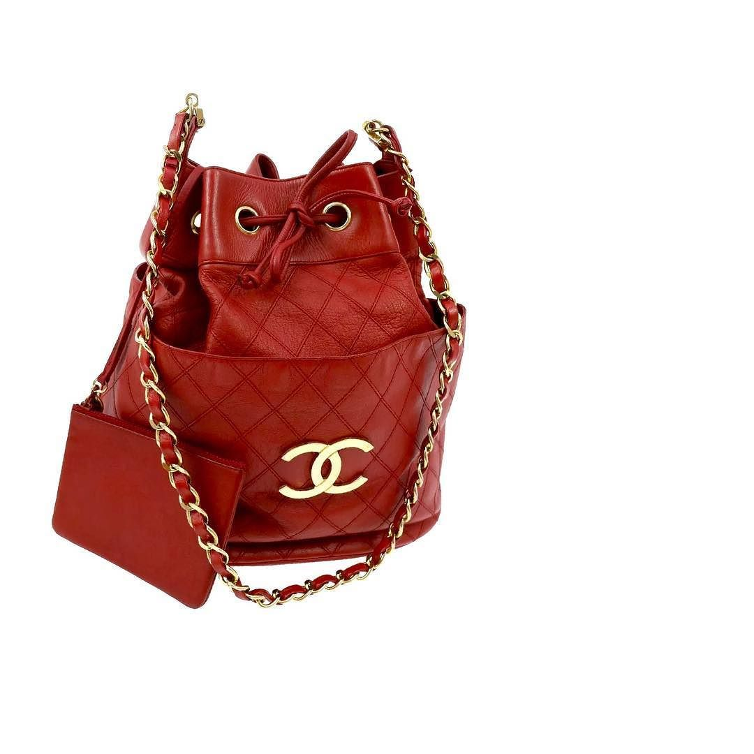 9dead4bf7bc93d Chanel quilted lambskin shoulder bucket bag excellent vintage condition  measures 12 x 10 x 8