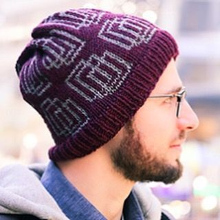 Venn Diagrams is another new hat design from the little set I just released. The stranded colorwork is super simple, and the motif is good for men and women depending on color choices. It's available in my #ravelry store, both individually or with special pricing as a set with the other two hats.