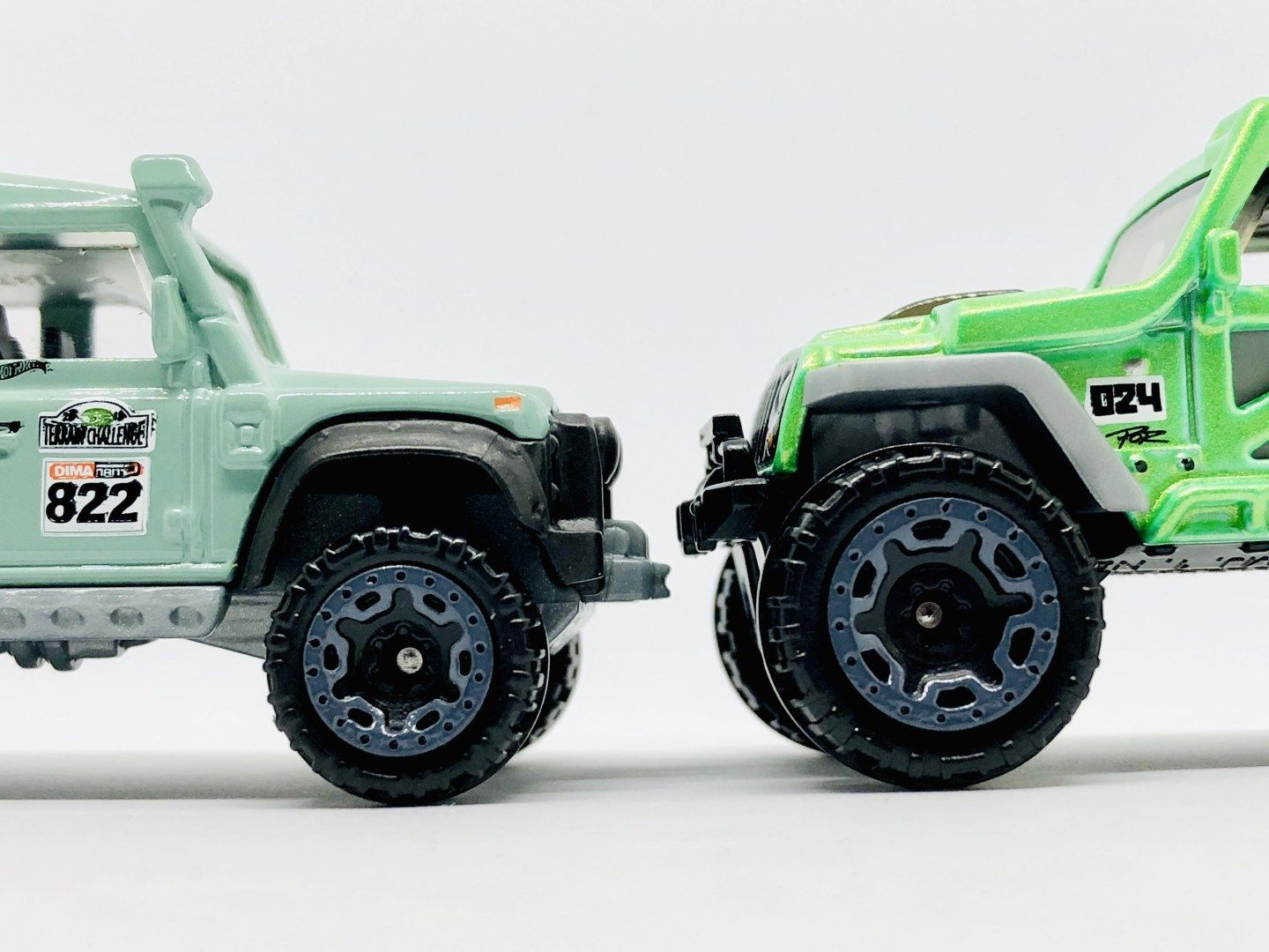 Showdown Hot Wheels Indonesia Jeep Wrangler Or Land Rover Defender
