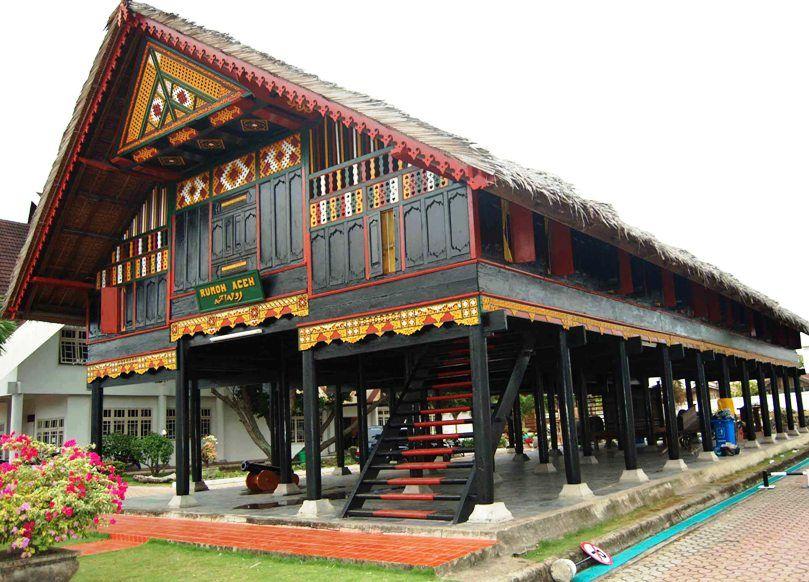 Hasil gambar untuk Traditional House Indonesia Earthquake