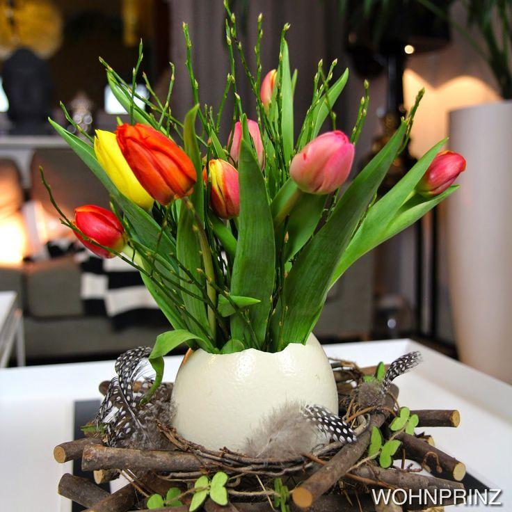 easter decoration diy table decor ostrich egg centerpiece tulips osterdeko ostern. Black Bedroom Furniture Sets. Home Design Ideas